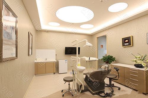 北京劲松口腔医院诊室