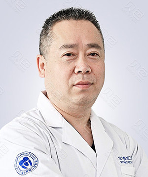 金华口腔种植医生:杨剑锋