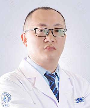 金华口腔种植医生:曹玉飞
